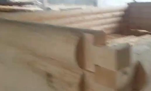 Изготавливаем сруб для клиента. Рубка в лапу кругляк
