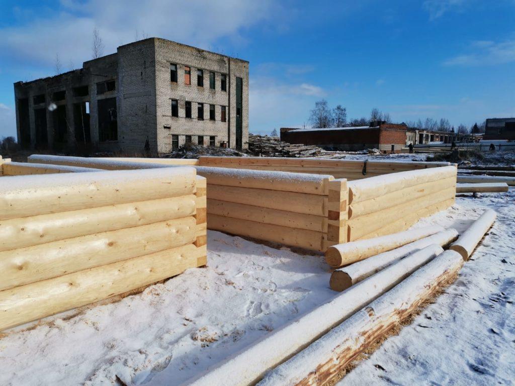 На нашей стройплощадке сруб 6 на 9 с 3-метровой террасой