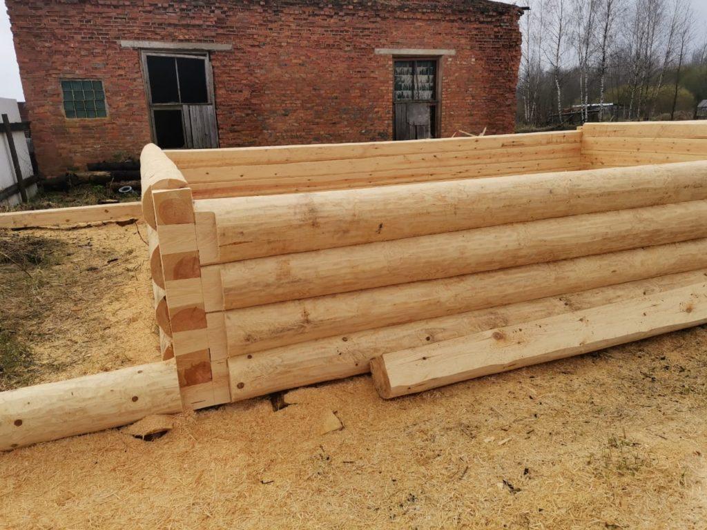 Сруб для дома 7 на 10 с террасой 2 метра, рубка «в лапу» (полулафет)