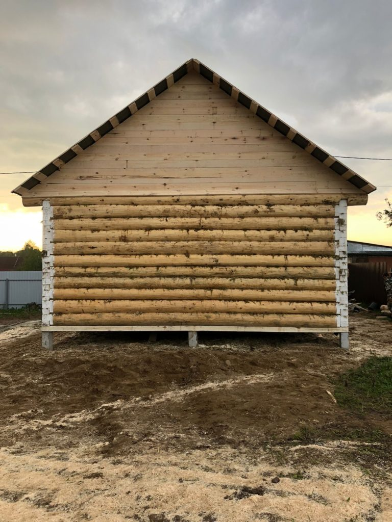 Дом из сруба 7×8 лапа полулафет